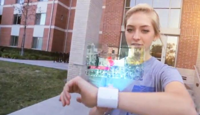 Resultado de imagen de Reloj que emite imágenes holográficas