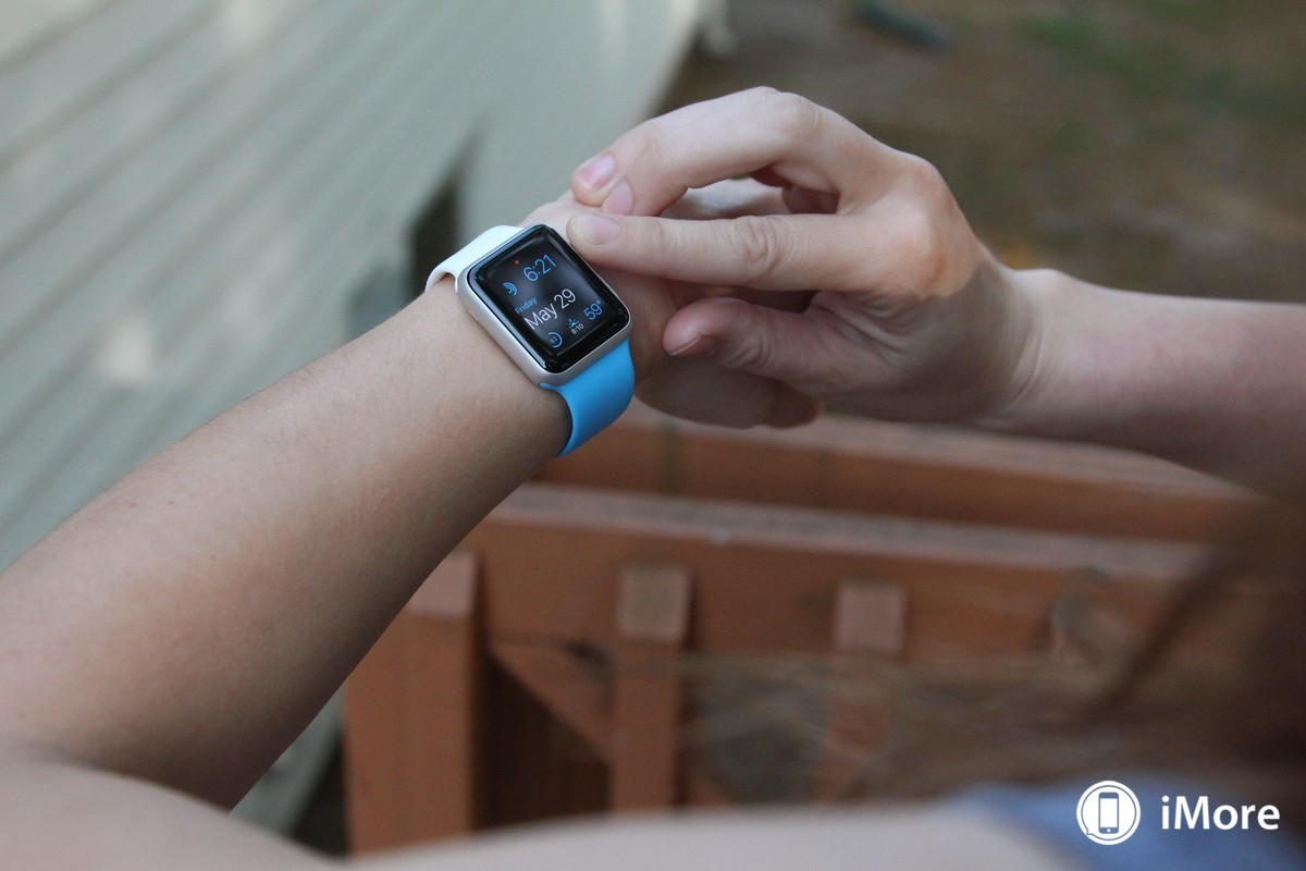 apple-watch-sport-white-blue-front